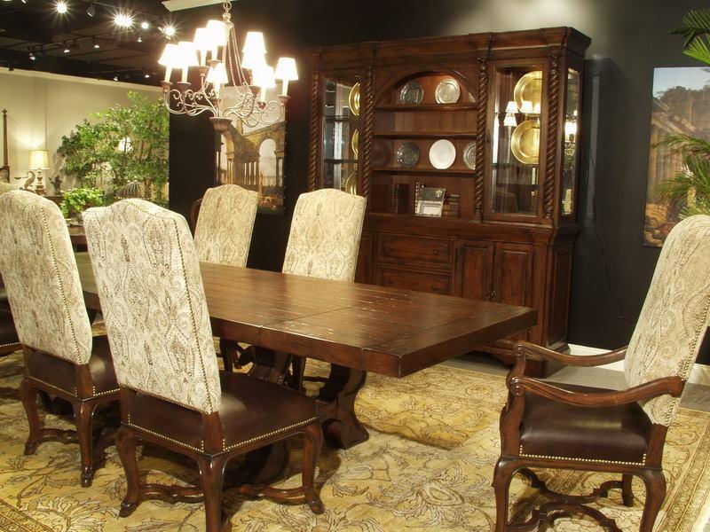 Durango 9 piece dining set blum 39 s furniture co for Eastern legends bedroom furniture